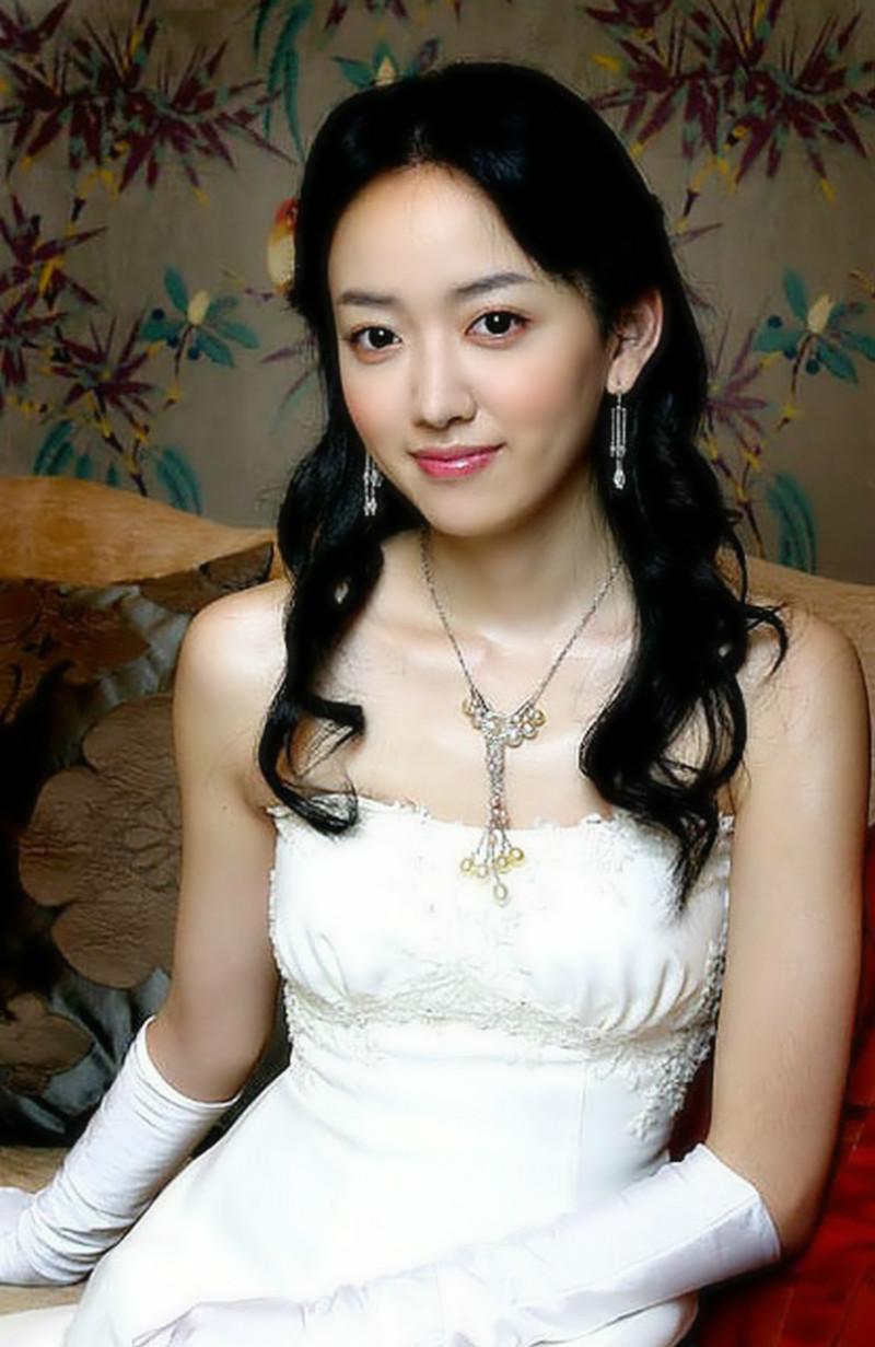 笔仙―韩国女明星大眼美女李世恩