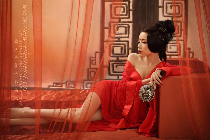 红衣古装美女素材
