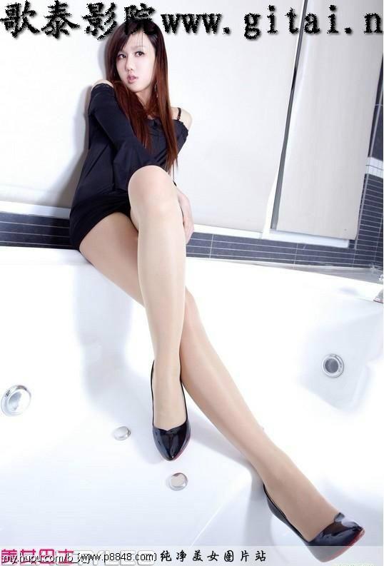 来自于 中国第一腿模sara图片