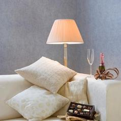 客厅-沙发,香槟,巧克力