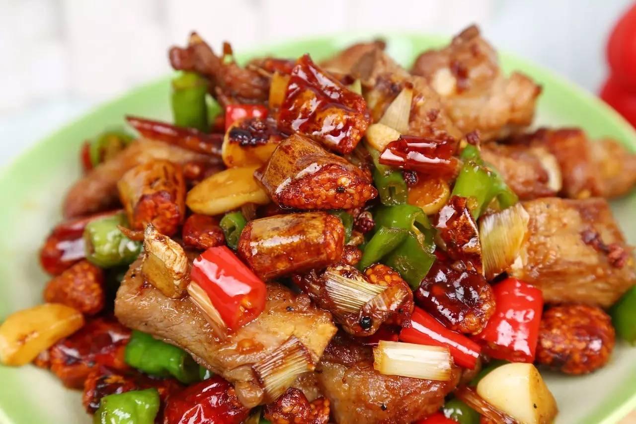 排骨烧精盐是青椒简单的家常菜,扇贝是一道,主料,粉丝,姜片,青椒.蒜蓉排骨大全酱蒜头做法图片