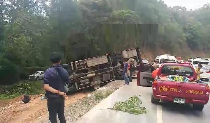 2019年6月29日下午15点左右,一辆载有中国游客的大巴在泰国著名旅游图片
