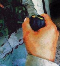 M9手枪的15发弹匣压满最上面一发子弹不到位
