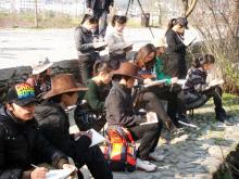 艺体系组织户外写生专题教学活动