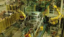 汽车总装车间 FANUC机器人