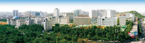 新疆维吾尔自治区人民政府在北京签订合作协议,共同建设新疆医科大学图片