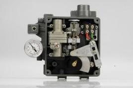 它接受调节器的输出信号,然后以它的输出信号去控制气动调节阀,当调节图片