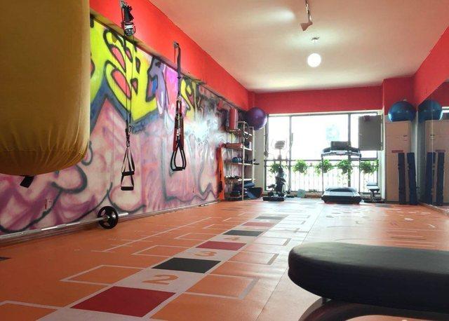 菲内斯健身工作室