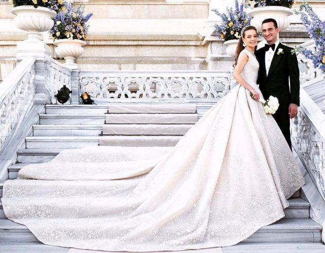 美丽时光婚纱礼服美妆馆