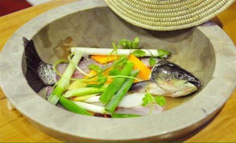 云南石锅鱼