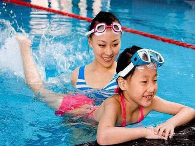 飞祥体育游泳