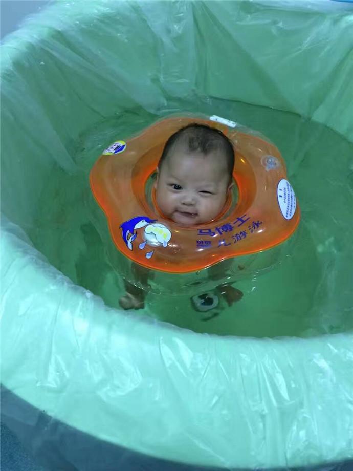马博士婴儿游泳馆(北京爱琴海购物中心店)