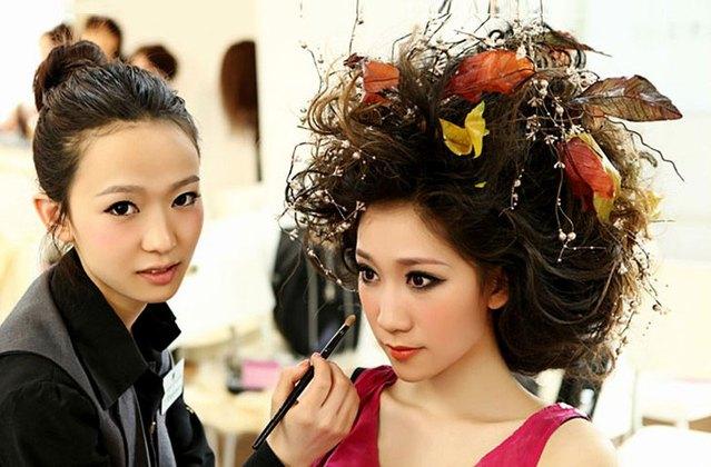 新时代化妆美容美发美甲培训学校