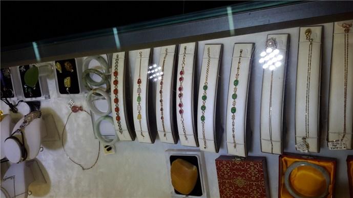 周世福珠宝镶嵌店