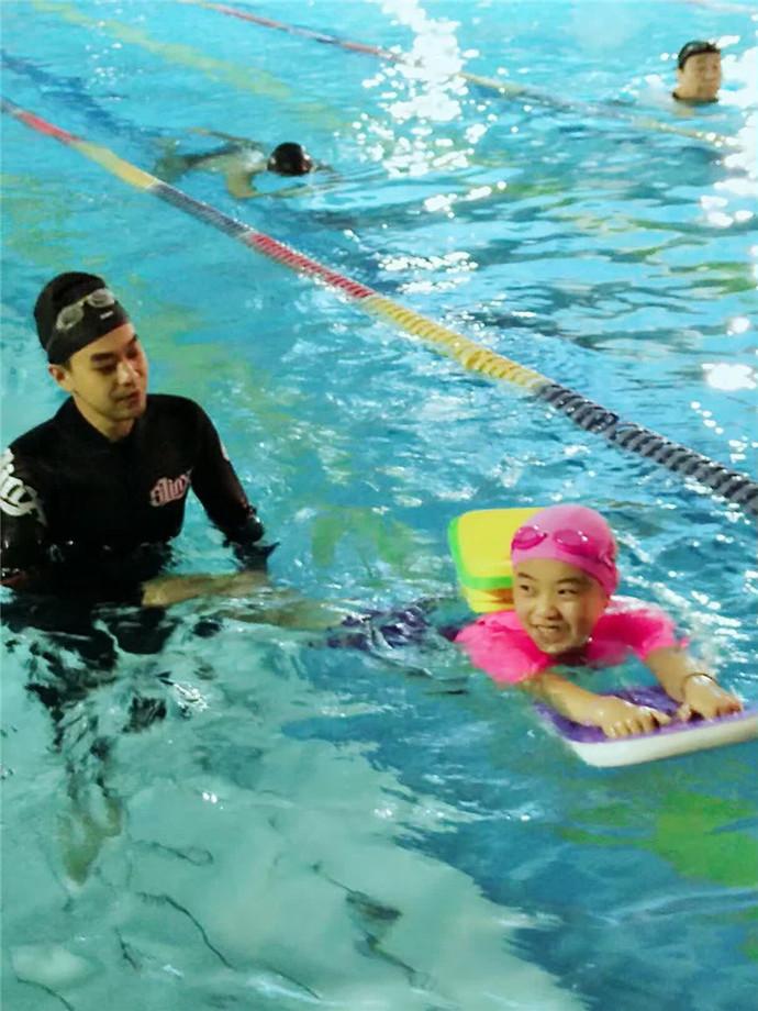 阳光游泳培训基地(方庄店)