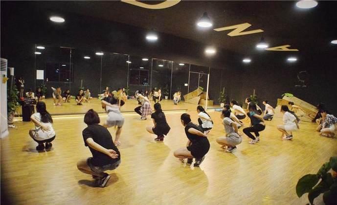 lisa舞蹈艺术培训中心(张江孙桥店)