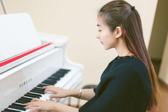 乐橙岛成人钢琴吧(西乡店)
