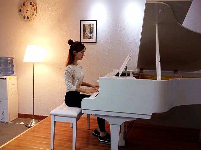 唯艺成人钢琴(珠江新城店)