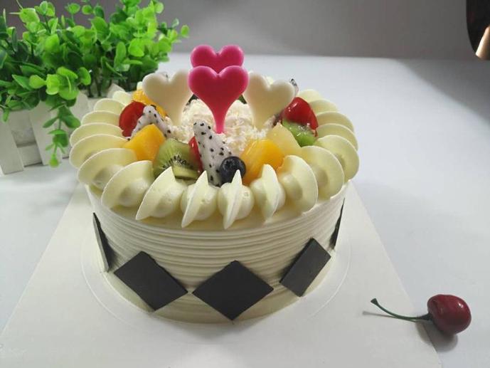 皇冠蛋糕(天鹅湖畔小区店)