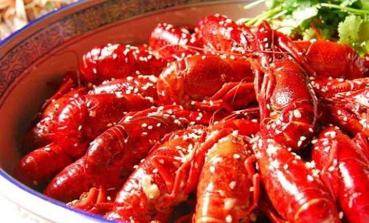 明旺烤鱼川菜馆