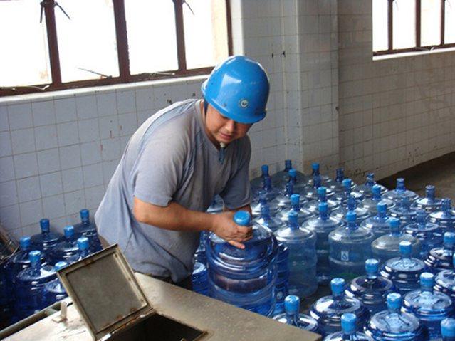 林濮桶装水配送站