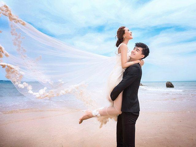 罗薇新娘婚纱摄影