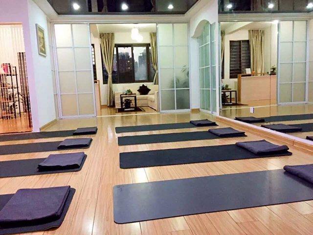 艺慧瑜伽健身馆