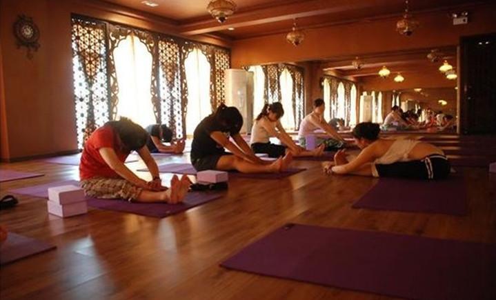 静悦瑜伽会馆