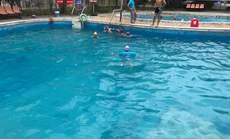 金龙花园游泳馆