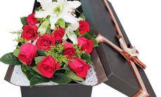 爱慕鲜花11朵玫瑰2支百合