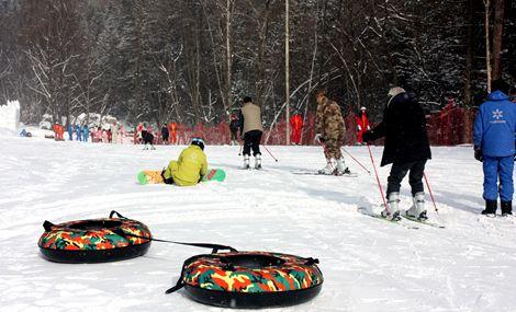 戏东雪上乐园