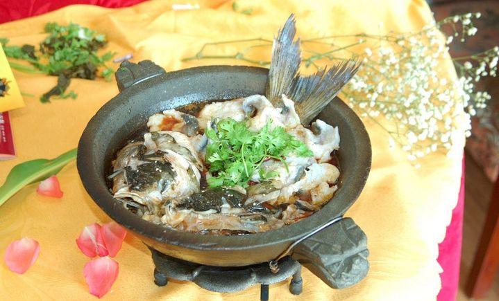 柳叶湖石锅鱼
