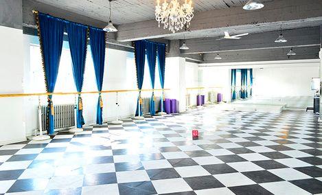 蓝·舞蹈会所