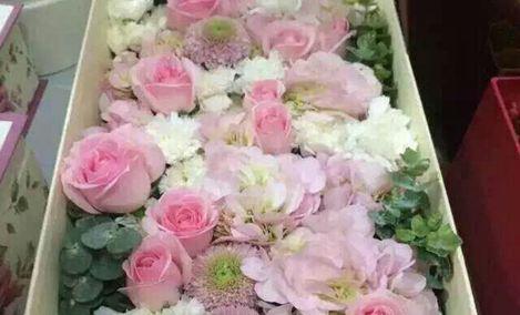 夜色鲜花礼盒