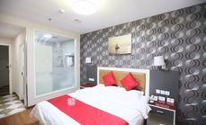 速8酒店标准大床房