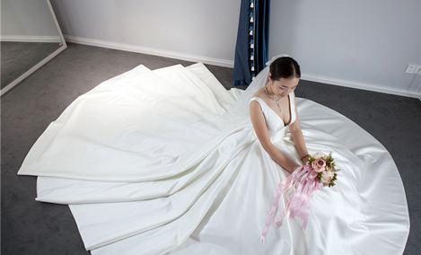遇白婚纱定制