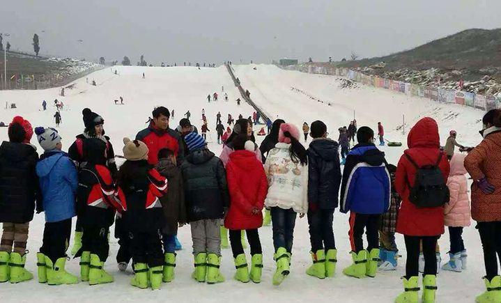 绿鑫春滑雪场