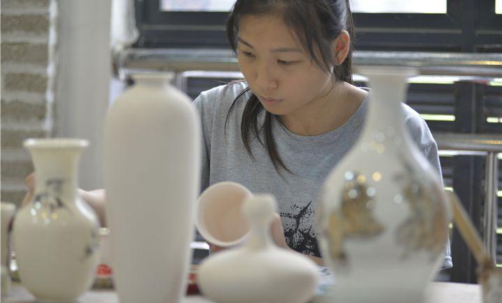 工艺美院陶瓷DIY体验馆