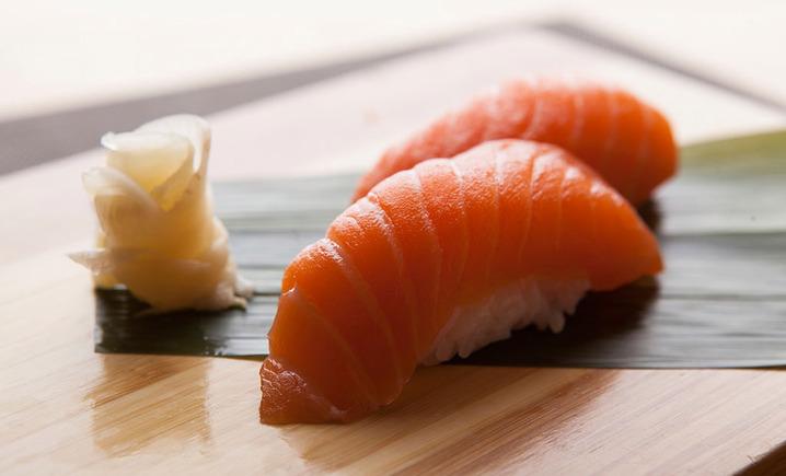 樱花树回转寿司