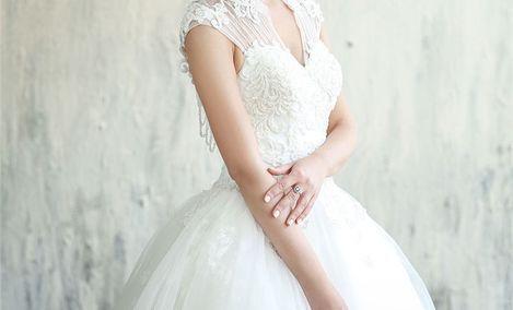 倩莉丝婚纱礼服美妆馆