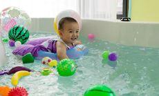 鱼乐贝贝婴儿游泳体验