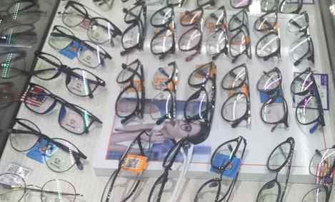 米兰眼镜 - 大图