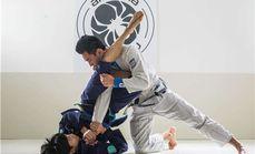 威海中正搏击健身俱乐部太极拳泰拳散打擒拿巴西柔术