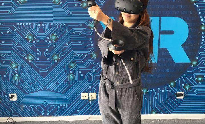 我们VR24小时虚拟现实娱乐馆
