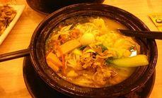菌类砂锅米线肉夹馍套餐