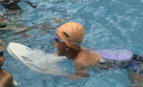 拼搏体育游泳健身