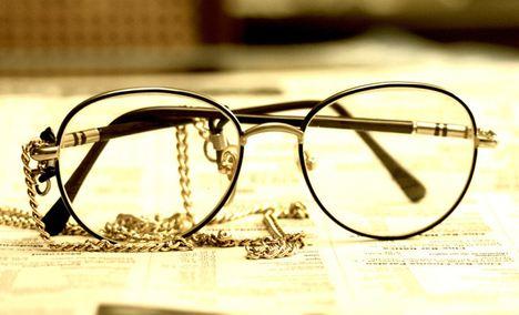 学士眼镜 - 大图