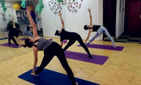 馨月瑜伽会馆
