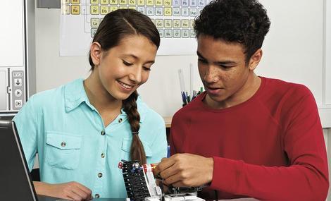 楷模机器人青少年创客俱乐部