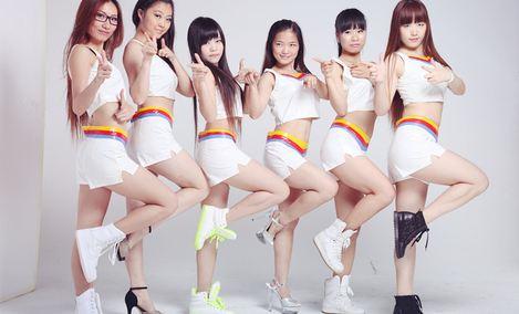 领尚国际连锁舞蹈学校(龙华店)